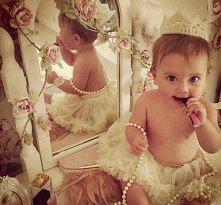 Tak się bawią małe księżnic...