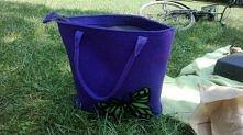 Tytka na zamówienie. Tym razem zielony motyl na fioletowym filcu.  Zachęcam do własnych projektów