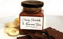 dżem bananowo czekoladowy Składniki 800g bananów (około 6 bardzo dużych, dojrzałych) 100g gorzkiej czekolady (wykorzystanie 70 + masy kakaowej - grubo posiekane) 40 ml amaretto ...