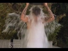 Justin Bieber takes the ALS Ice Bucket Challenge   Challenged President Obama...