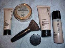 Mary Key - przede wszystkim dobry podkład i puder :) Super kosmetyki, świetna firma POLECAM!!