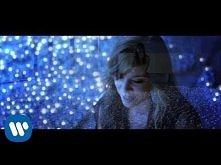 Christina Perri - A Thousand Years [Official Music Video]  a teraz żałuję swojej decyzji tak okropnie :C