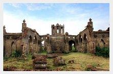 Indie, opuszczony kościół