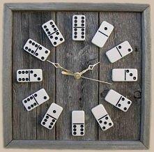 Zegar z domino