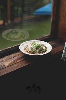 Kasza gryczana z fasolą, grzybami leśnymi i cukinią