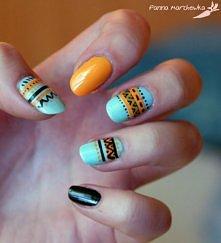 Niebiesko,pomarańczowo,czarne paznokcie z azteckimi wzorami