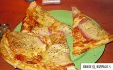 Pizza bez drożdzy 2 Składniki -2 szklanki mąki -1/3 szklanki oliwy lub oleju -2/3 szklanki mleka -2 łyżeczki proszku do pieczenia (ewentualnie sos -2 łyżki koncentratu pomidorow...
