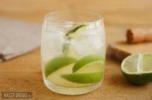 Spróbujcie klasycznego drinka z Cachaça  Składniki:  - Cachaca (50 ml) - limonka (połowa, pocięta na kilka kawałków) - cukier (biały lub brązowy; 2 łyżeczki do herbaty) - kostki...