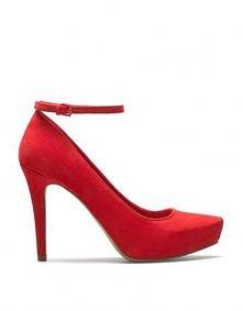 Czerwone szpilki sprawiają, że każda kobieta czuję się, jak 1000000$$ :)