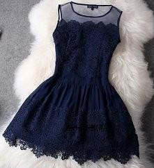 śliczna sukienka *-* wiecie...