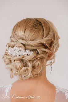 Perfekcyjna fryzura ślubna :-)