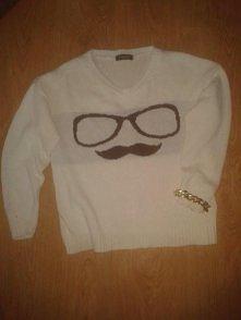 Sweterek z wąsami ## kupiła...