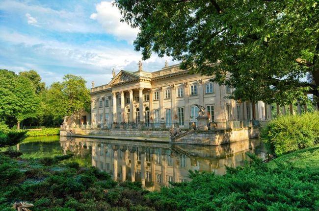Pałac Na Wodzie łazienki Królewskie Warszawa Na Fotografie