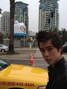 Ten kto zna tego chłopaka jest prawdziwym fanem AT! ^_^