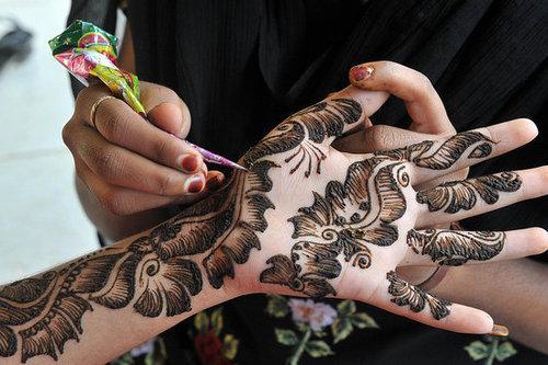5f6010eb4a1a01 Gdzie mogę dostać zestaw do robienia tatuaży z henny ? :) I czy.. na ...