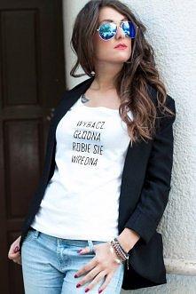 Koszulka dostepna od zaraz, rozm M.  fot. Justyna Gajownik modelka: Marika Bu...