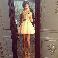 A może coś takiego ? śliczna dziewczyna długie nogi i idealnie pasująca kreacja :)