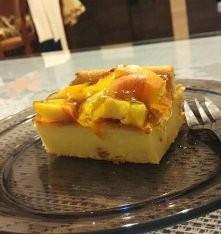 Dietetyczne ciasto ;3 około 100kcal w kawałku :D Składniki: 4jajka 125-150g cukru 400g jogurtu naturalnego 3 łyżeczki proszku do pieczenia  2 budynie smietankowe(razem 80g) lub ...