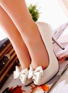 Buty z kokardami. I jak się Wam podobają?