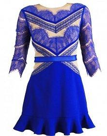 Niebieska koronkowa sukienk...