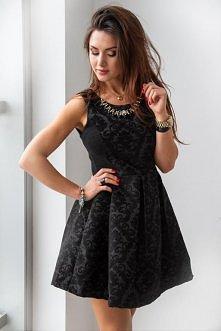 Na naszym FB pobierz rabat na zakupy! Kliknij w zdjęcie by przejść do sklepu. Żakardowe sukienki