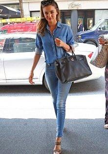 Double denim  Miranda Kerr  Więcej na Moda Cafe!
