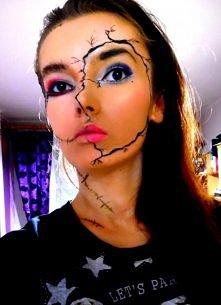 Makijaż na halloween (W dzień halloween pęka i odpada naturalna twarz i ujawnia się zoombie)