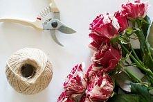 Zobacz jak zrobić dekorację z róż -->>