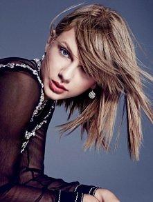 Taylor& Harper's Bazaar. Jesienne oblicze ulubienicy Ameryki. Więcej na Moda Cafe!