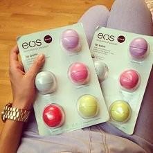 Zastanawiam się nad zakupem błyszczyka Eos czy naprawdę się opłaca czy jest fajny?  Może mi ktoś trochę o nim napisać?  :)