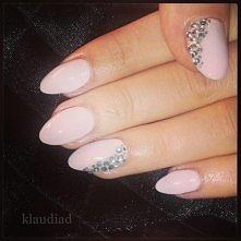 nude nails, paznokcie hybrydowe, cyrkonie, zdobienia