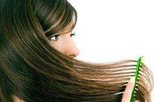 OSŁABIONE WŁOSY. Oto świetną alternatywą dla drogich maseczek kupowanych w sklepach i drogeriach. Znacznie poprawia kondycję włosów, nadaje im objętości, a dzięki dodaniu oleju ...