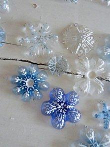 śnieżynki z denek plastikowych butelek