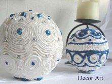 bombki ręcznie robione jako dekoracja stołu