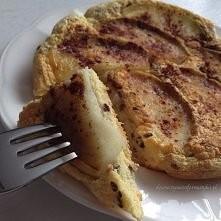 Składniki (1 porcja): - 2 jajka - łyżka mąki ryżowej - łyżka siemienia lnianego - pół dużego jabłka (ok. 100g) - cynamon - szczypta soli Z jabłka usuwamy gniazdo nasienne i kroi...