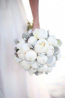 Z jakich kwiatów został wykonany ten bukiet?