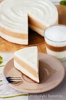 Sernik latte macchiato bez pieczenia Składniki: spód  12 sztuk okrągłych biszkoptów (lub 60g innych biszkoptów) 40g masła 2 łyżeczki naparu z kawy napar kawowy 4 łyżeczki kawy r...