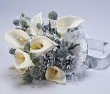 Zimowy bukiet ślubny - kalie