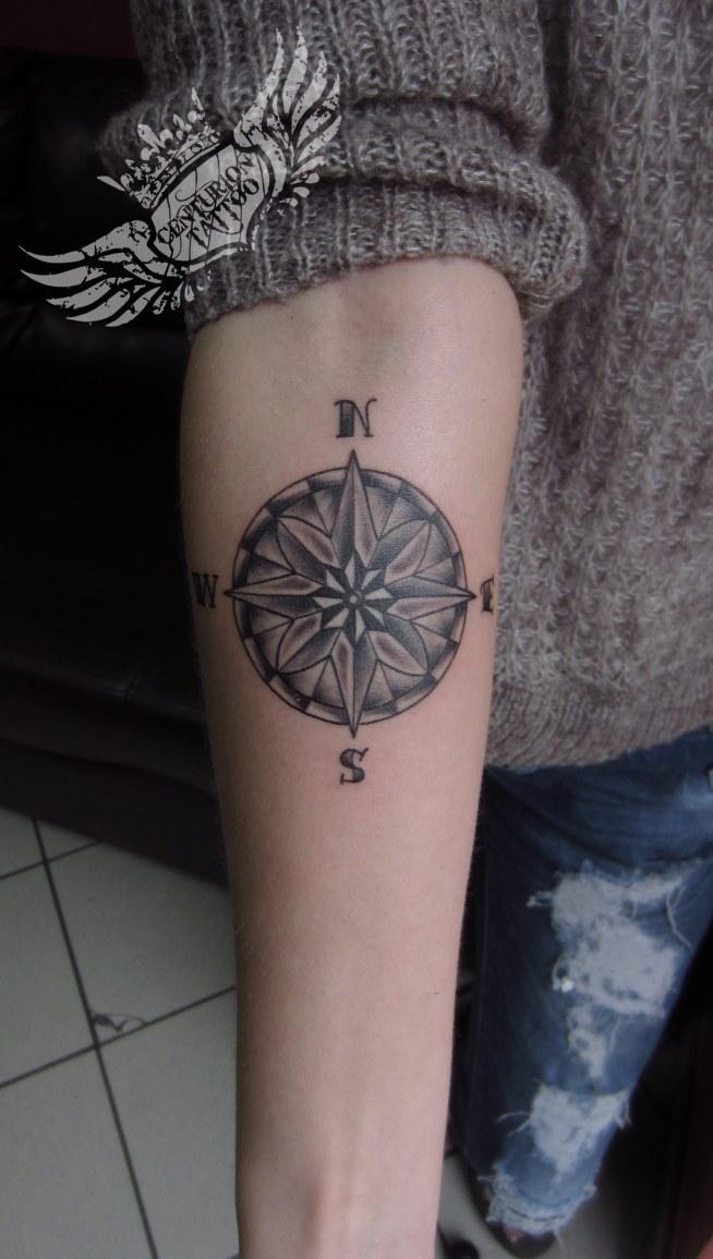 Róża Wiatrów Tatuaż Na Centuriontattoo Brodnica Zszywkapl