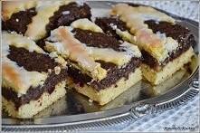 SKŁADNIKI Kruche ciasto: 1 margaryna 250g 2 i pół szklanki mąki 1 cukier wani...