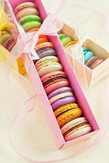 macarons ... ;)