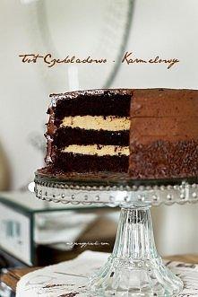 tort czekoladowo-karmelowy