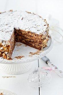 Tort Agnes Bernauer migdałowo - kawowy tort bezowy