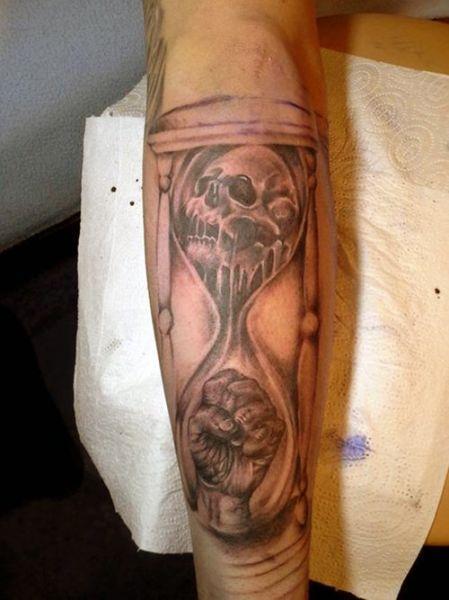 Tatuaż Klepsydry 3d Na Tatuaże Zszywkapl