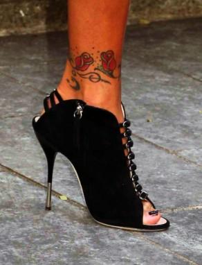 Tatuaż Róże Na Kostce Na Tatuaże Zszywkapl