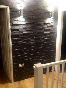 ściana w przedpokoju zrobio...