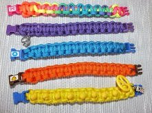kolorowe bransoletki ze sznurka