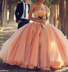 Bajkowa suknia