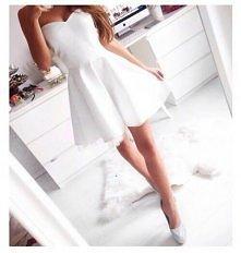 śliczna biała sukienka <3