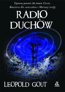 Radio duchów  Radio duchów to audycja, którą Joaquin prowadzi każdej nocy. Siedząc w zagraconym, słabo oświetlonym studiu radiowym, wysłuchuje niesamowitych opowieści ludzi, któ...